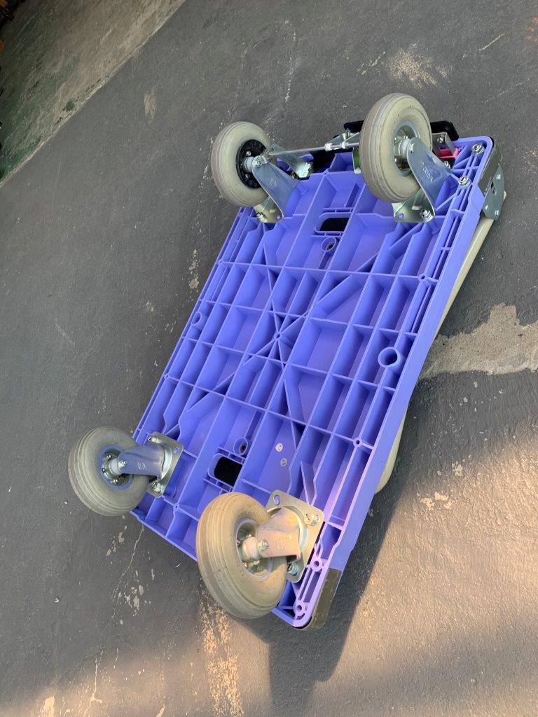 中古台車 樹脂製折りたたみハンドル台車 エアータイヤ仕様 スペシャルブレーキ付