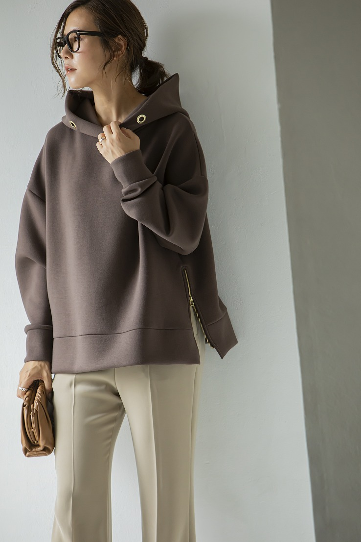 【SOLD OUT】Zip upボンディングフーディー ブラウン