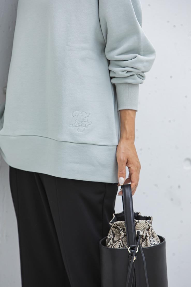 【SOLD OUT】オーバーサイズスウェットロゴ刺繍 ダスティグレー