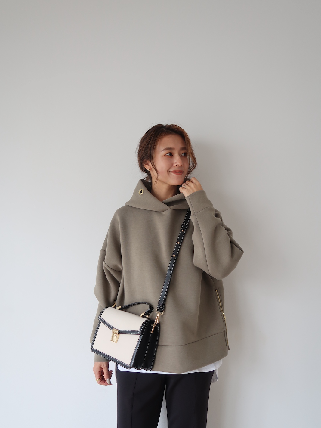 【SOLD OUT】Zip upボンディングフーディー カーキ