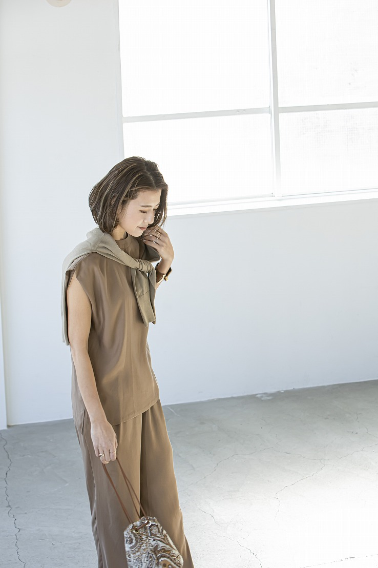 【SOLD OUT】EXサテンセットアップ ブラウン
