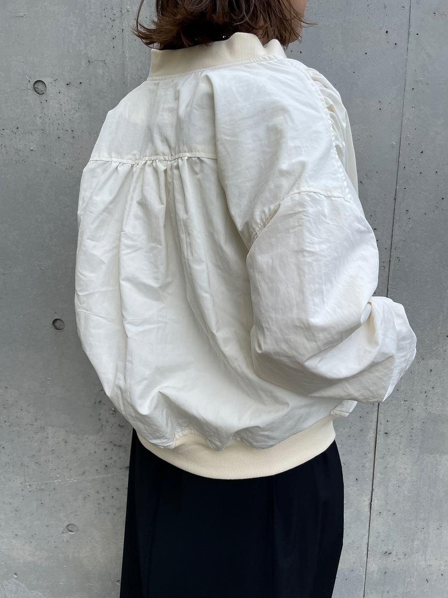 【10/6(水)19時〜】C/N MA-1ブルゾン アイボリー