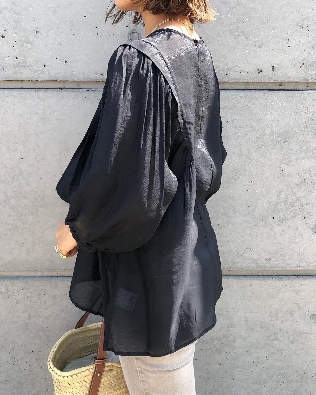 【SOLD OUT】シアーボリュームスリーブブラウス ブラック