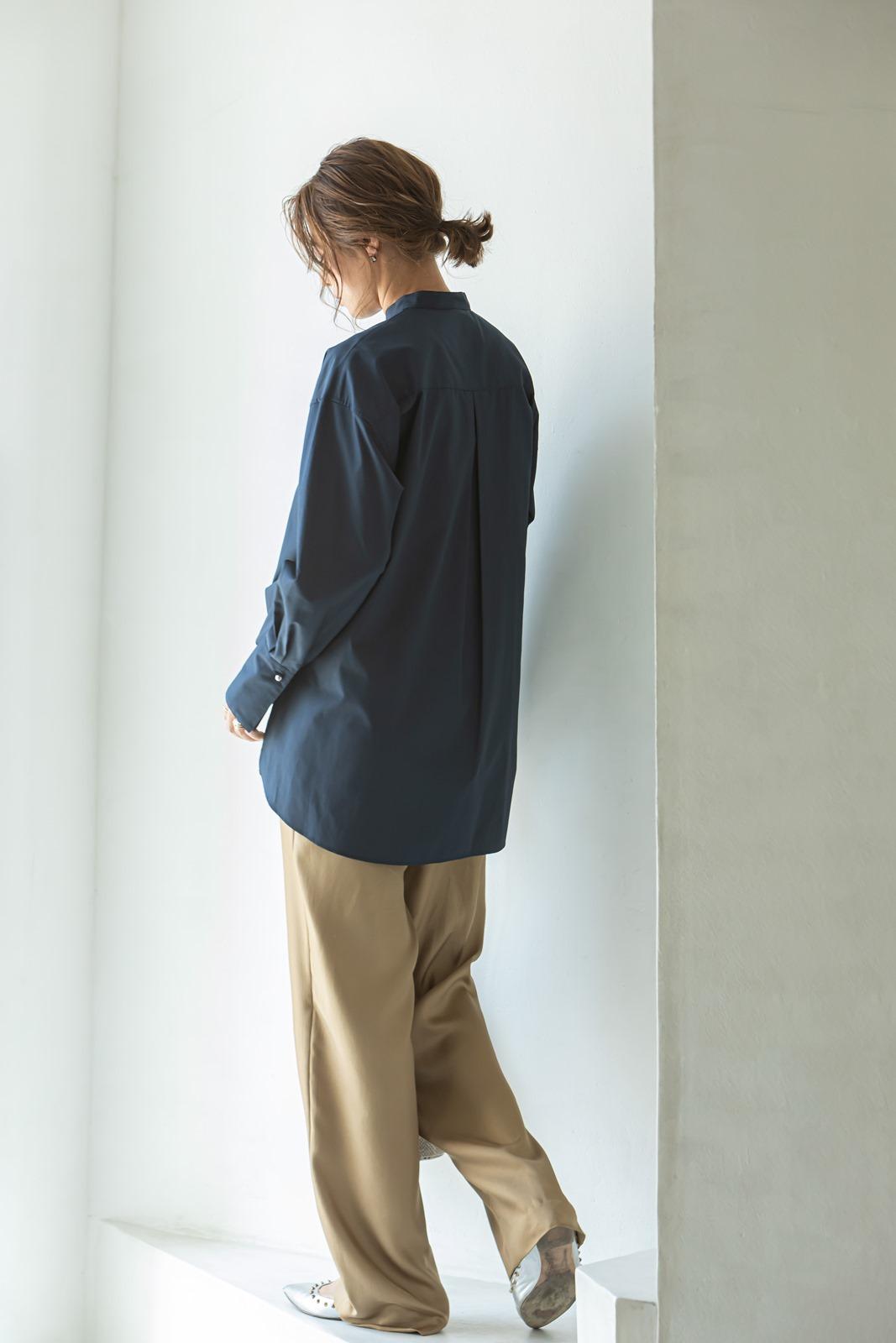 【VERY10月号掲載商品】スタンドカラーオーバーブラウス ネイビー