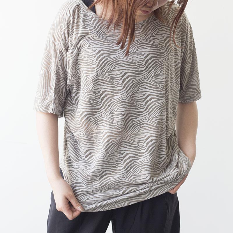 ゼブラ柄バックポイントTシャツ  DAMISS