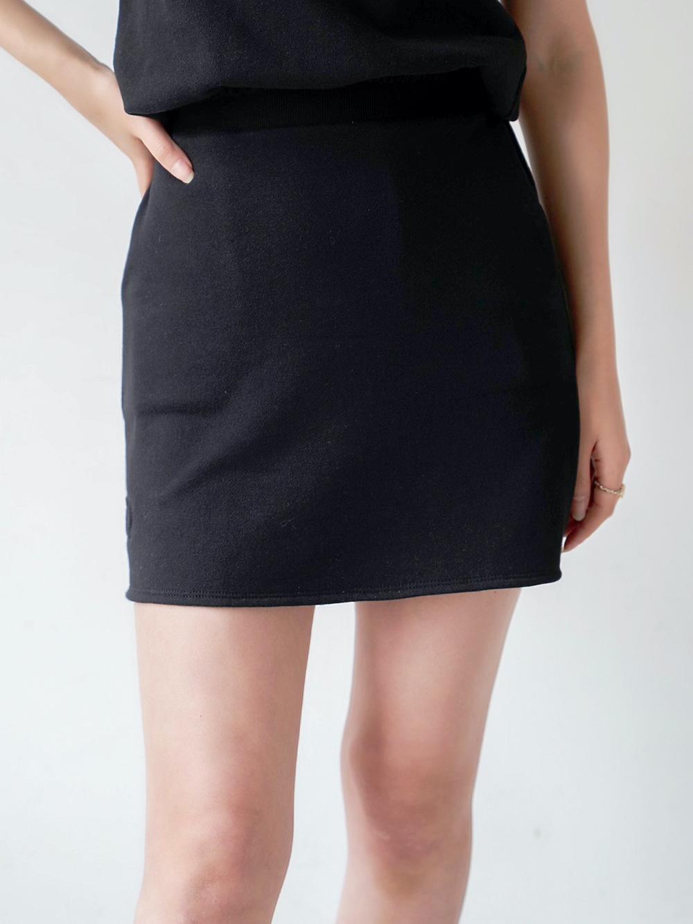 エンボスポイントスウェットスカート