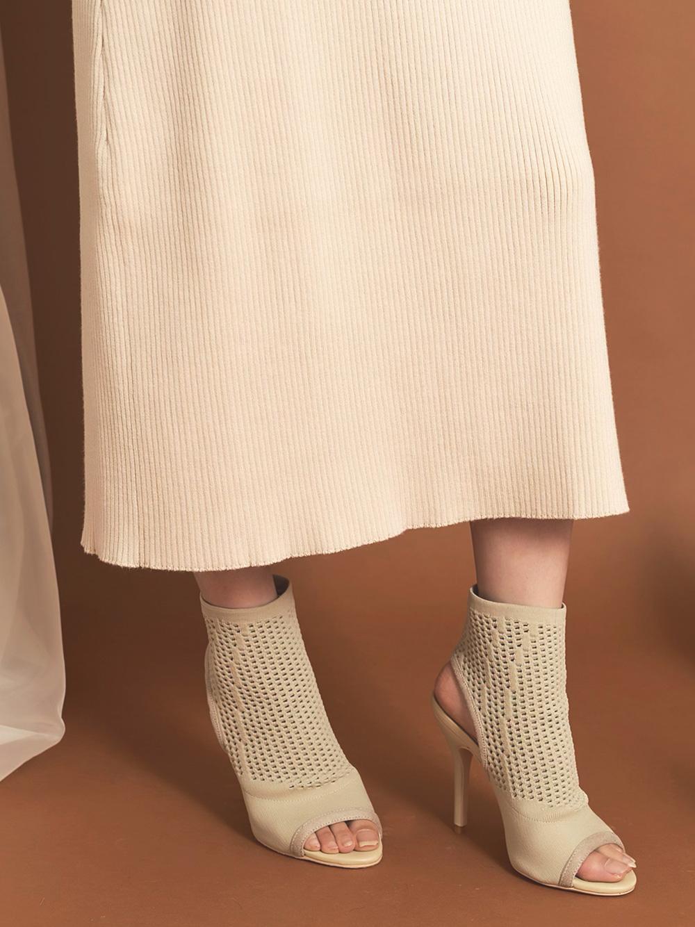 セミタイトニットスカート