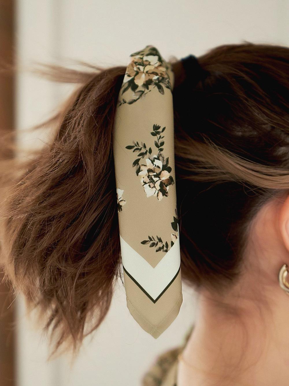 ロマンティックフラワースカーフ