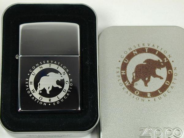 ジッポーライター: Zippo ハンティングワールド 【ロゴ】 クロームミラー仕上げ #250 《シルバー/銀色》 ☆レギュラー☆ 【ギフト包装】 【父の日】 【ジッポ】 【ジッポー】 【ライター】 【ダルマヤ】