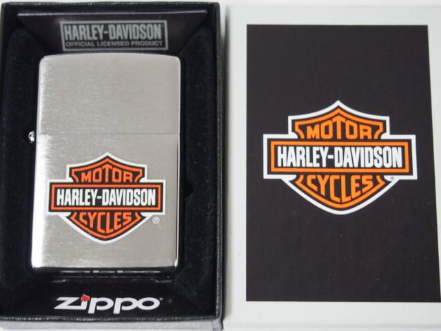 ジッポーライター: Zippo ハーレー Harly-Davidson 【ロゴ】 カラー ペイント #200 銀色 //ブラッシュクローム// USA直輸入 ☆お洒落☆【ギフト包装】 【ジッポ】 【ジッポー】 【ライター】 【ダルマヤ】 【人気商品】