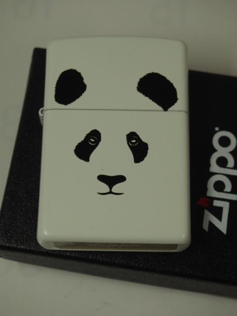 ジッポーライター: Zippo パンダ PANDA // ぱんだ // ホワイト マット 白色 《レギュラー》 USA Zippo社純正 #28860 White Matte ☆綺麗!!☆【ギフト包装】 【ジッポ】 【ジッポー】 【ライター】 【ダルマヤ】