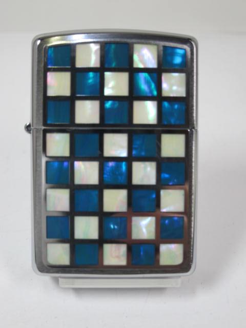 ジッポーライター: Zippo シェル チェック BL 《格子》 【天然貝張】 市松格子 本象嵌メタル [青/白] ブルー & ホワイト ☆綺麗!!☆【ギフト包装】 【ジッポ】 【ジッポー】 【ライター】 【ダルマヤ】