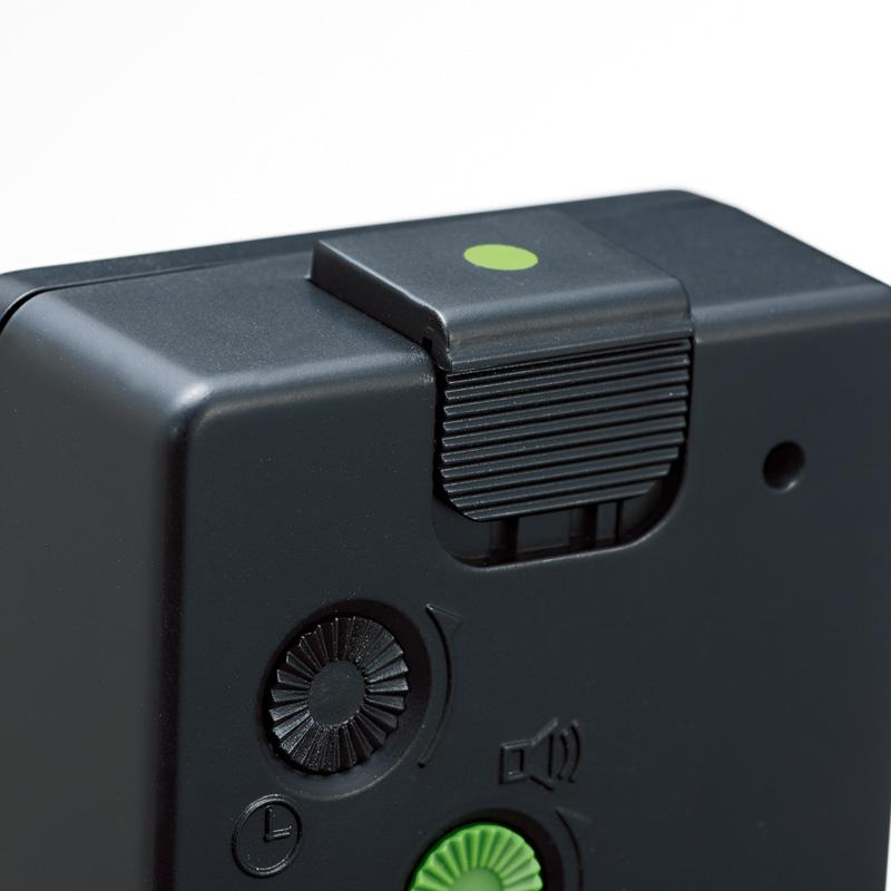 [受注発注商品] Braun (ブラウン) - Alarm Clock [BNC002] (アラーム・クロック) (BKBK)