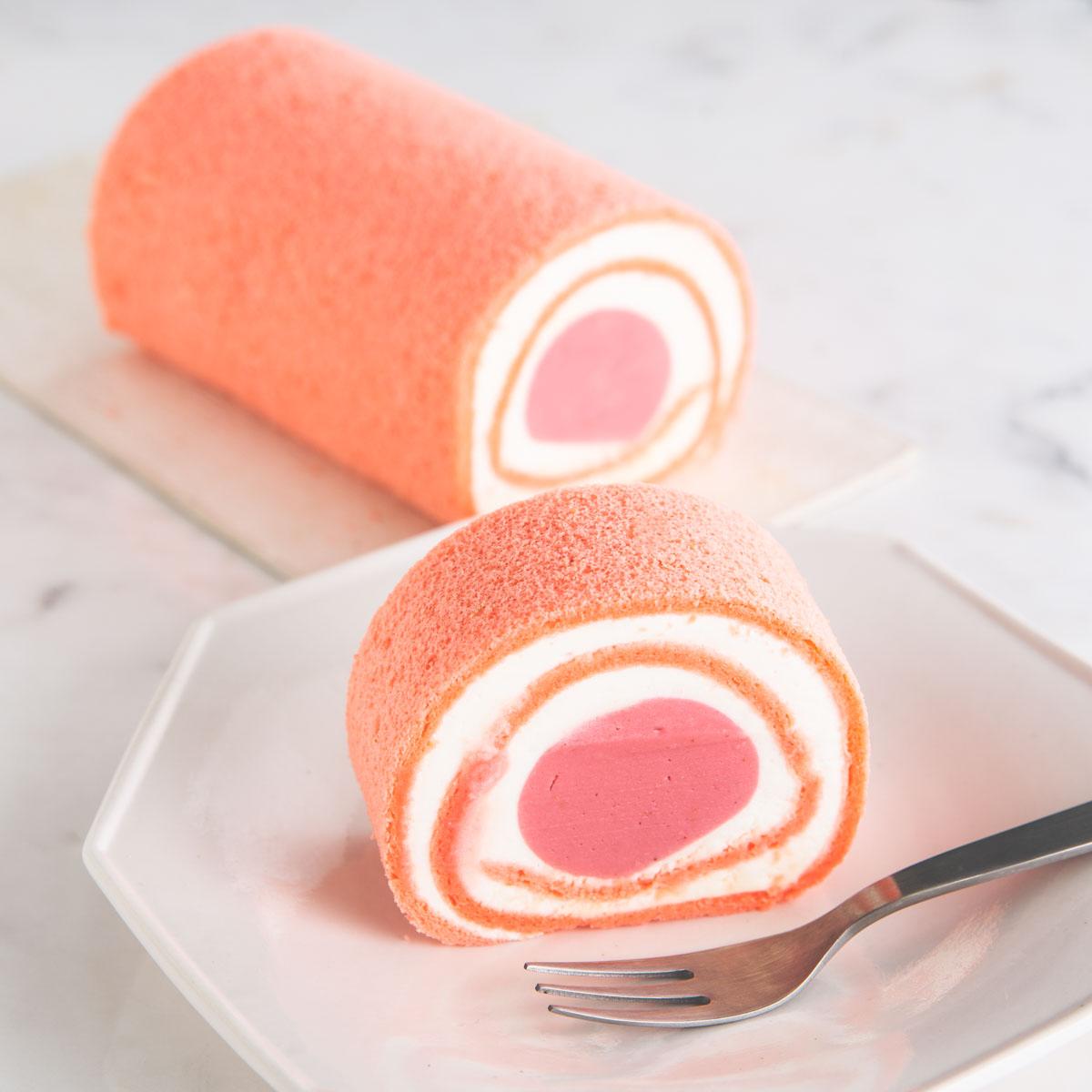 ●冷凍配送● イチゴの生チョコレートロールケーキ