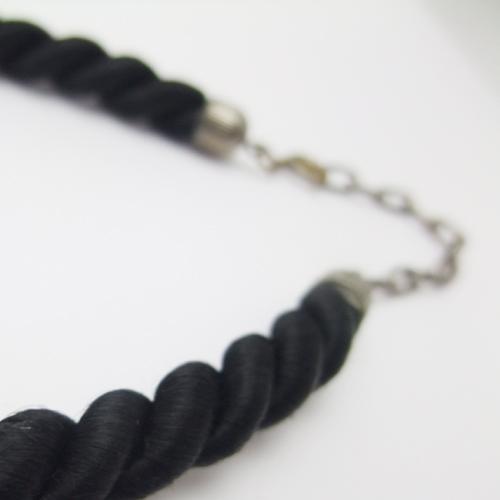 SOLD-クリア&ブラック クリスタル フレンチネックレス