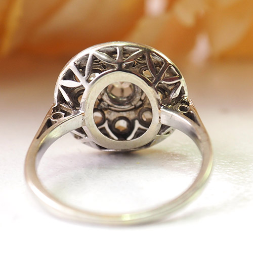 プラチナ&ダイヤモンド ミルグレインフラワー サークルリング