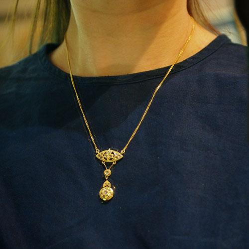 18金 ローズカットダイヤモンド サークルフラワーネックレス