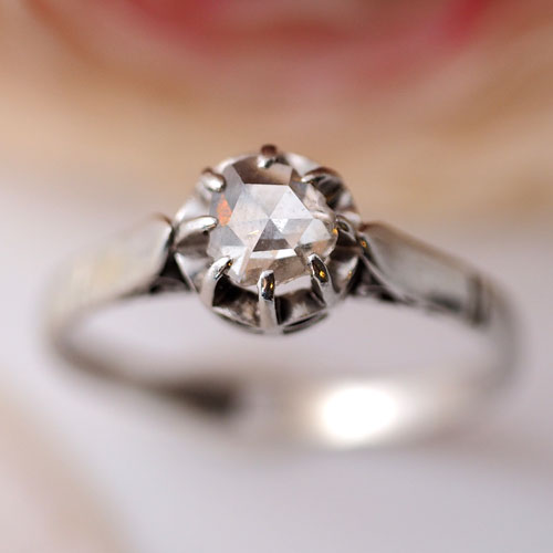 プラチナ ローズカットダイヤモンド ソリティアリング(アンティークジュエリー)