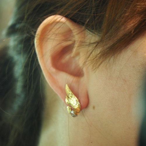 18金 ローズカットダイヤモンド 羽のピアス(アンティークジュエリー)