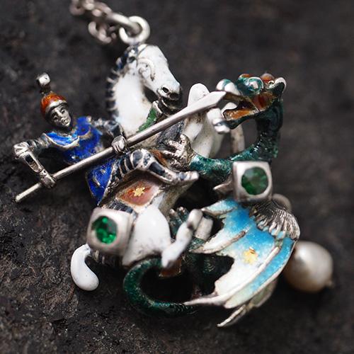 シルバーエナメル 聖ジョージとドラゴン ネックレス