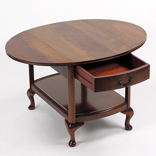 ドロップリーフ・サイドテーブル