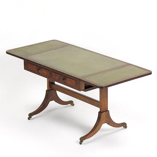 ドロップリーフ・テーブル