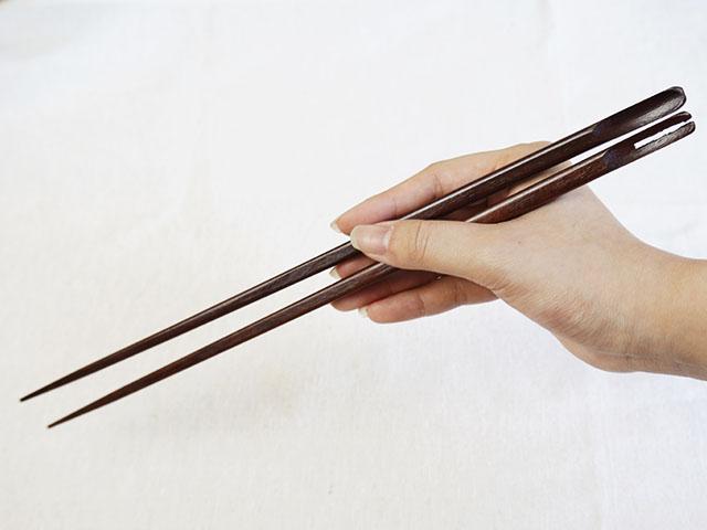 お料理の味方!丈夫な鉄刀木の菜箸