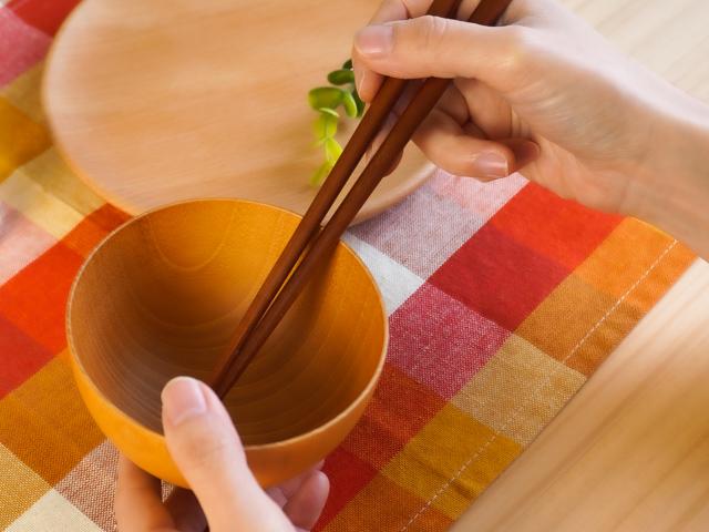 ぽってりかわいい けやきの楕円箸