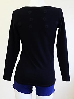 コリが気になる部分に8個の磁石を配置♪磁気治療長袖Tシャツ