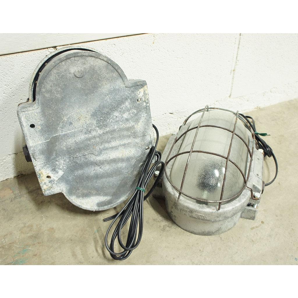 PL004 / インダストリアルカプセルランプ