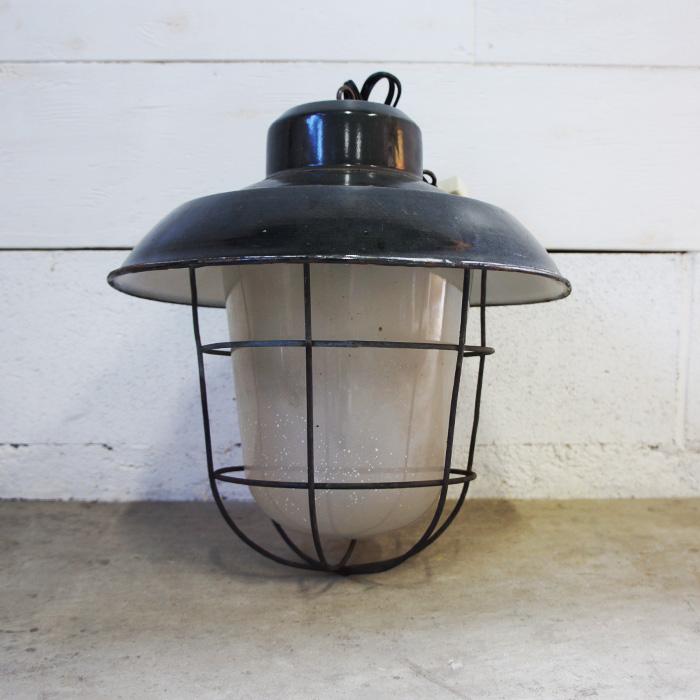 L001 Type2 / ブラックシェード ガラスペンダント 磨りガラス