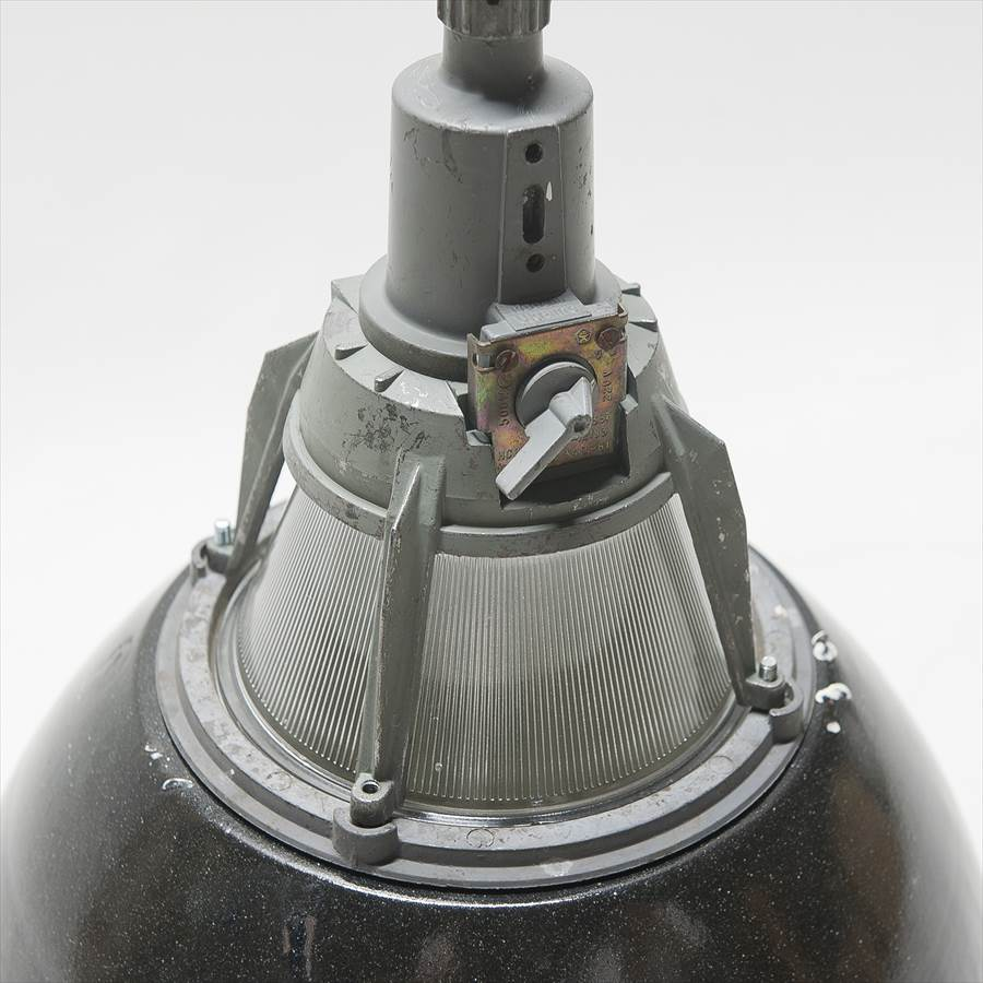 L004 / インダストリアル シーリングランプ 黒