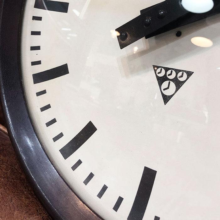 PA-S-011 / Pragotron パラゴトロン 掛時計ウォールロック 30cm