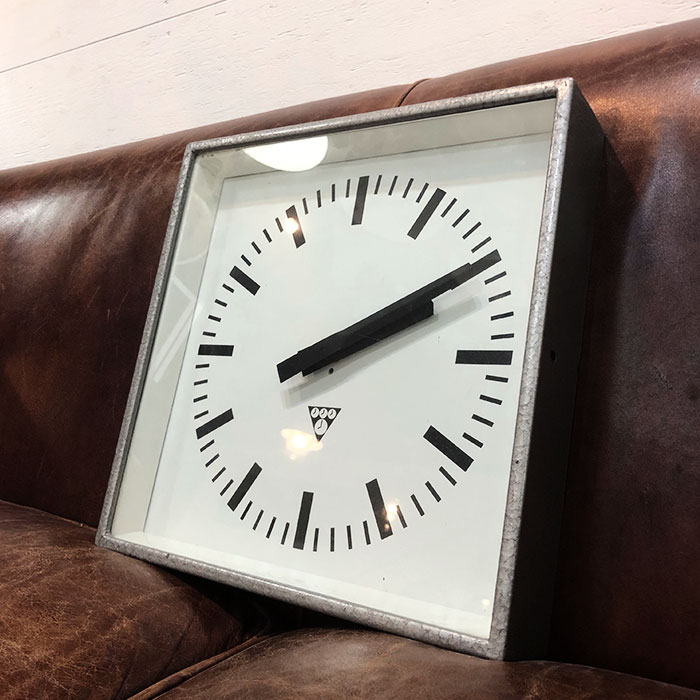 PA-SQ-001 / Pragotron パラゴトロン 掛時計ウォールロック 34cm