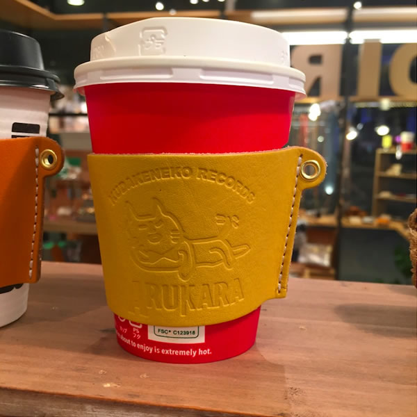 Diralxアルカラ コラボ「にゃんて素敵なコーヒースリーブ」Zepp会場限定発売