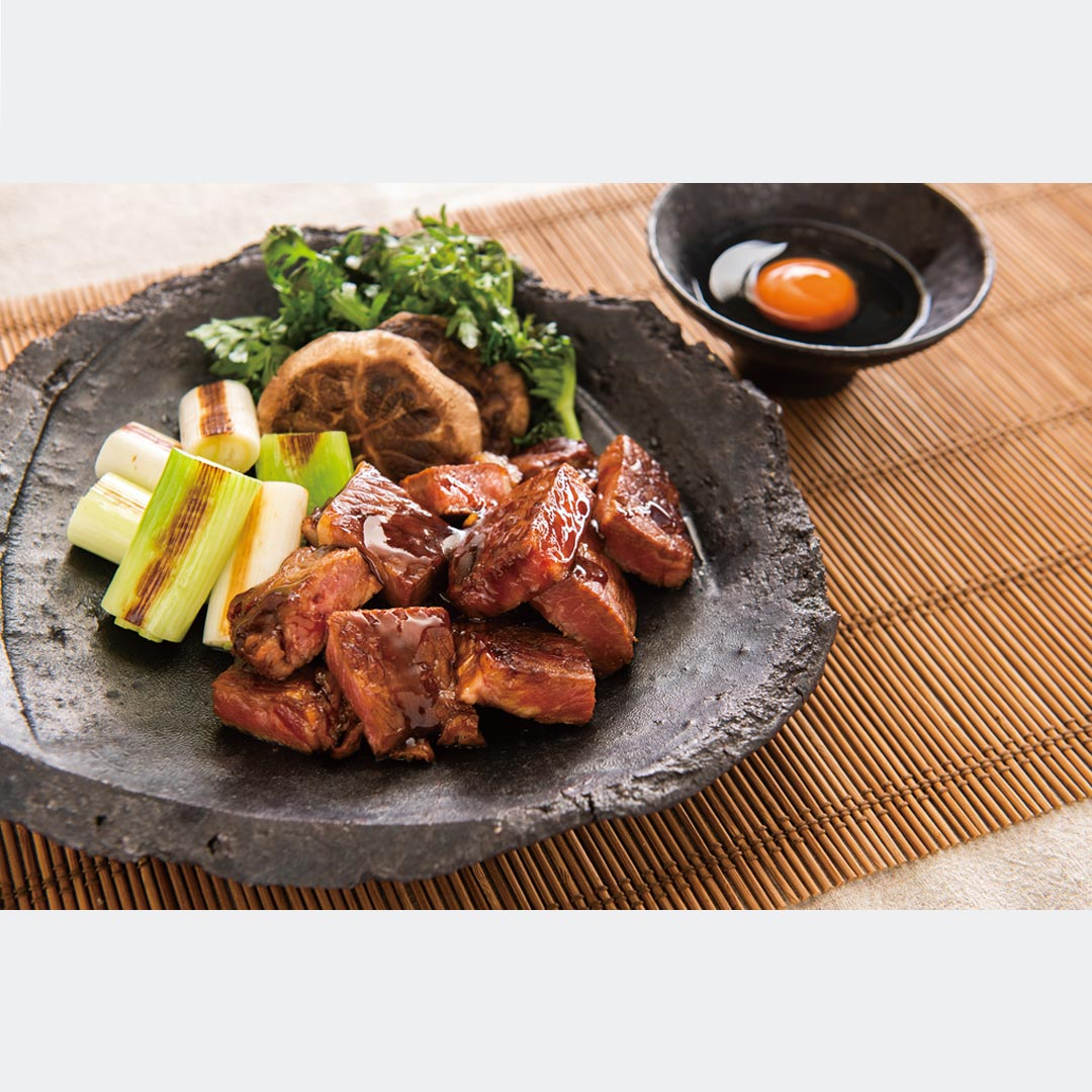 熟成赤身のおおぶりサイコロステーキ【カナディアンビーフ】1kg(約500g×2枚)