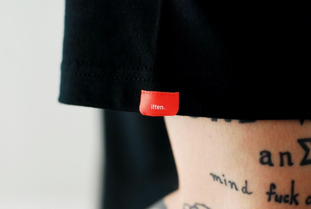 """[unisex]itten.(イッテン) """"itten 10 """"iT"""" Pocket Tee"""""""