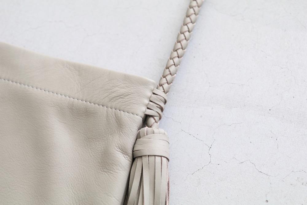 """KO (ケーオー) """"fringe bag (M)"""""""
