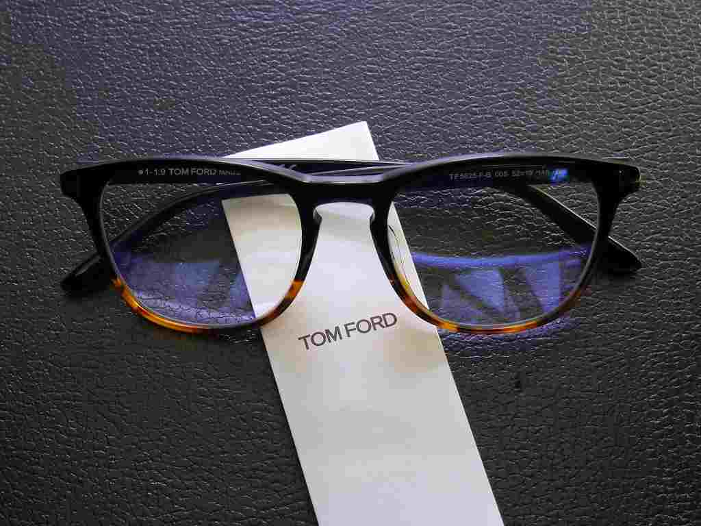トムフォード(TOMFORD) TF5625-FB 005  (52)