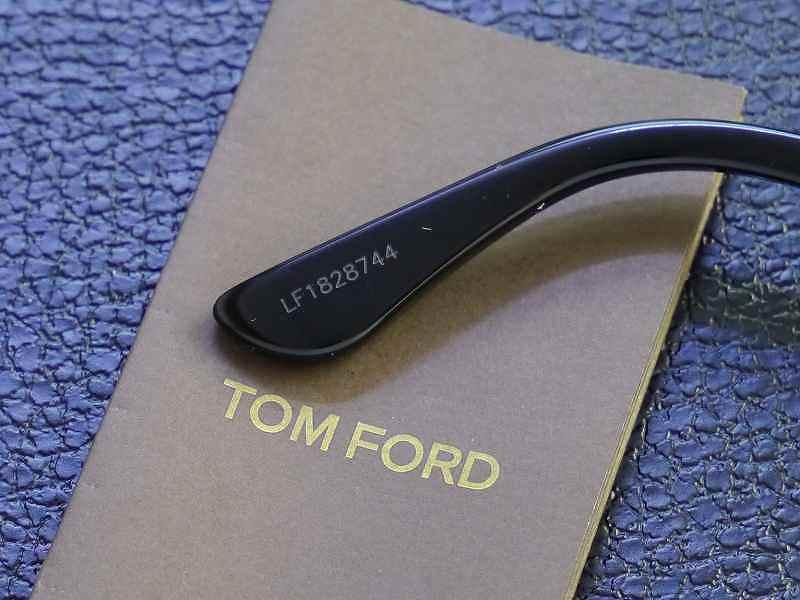 トムフォード(TOMFORD) TF0522F 01V  Palmer (パーマー)