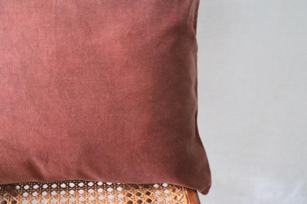 Hand-dyed velvet cushion cover 45 / CLOAK 383<p>キルステンヘクターマン 手染めベルベットクッション (カバーのみ)</p>