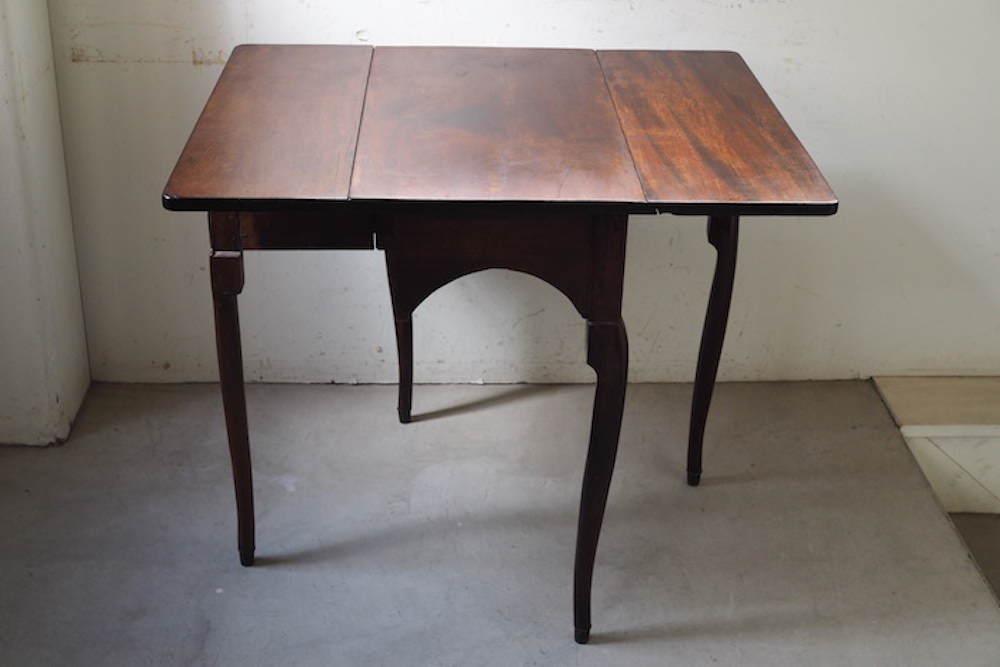 Butterfly Table<p>バタフライテーブル</p>
