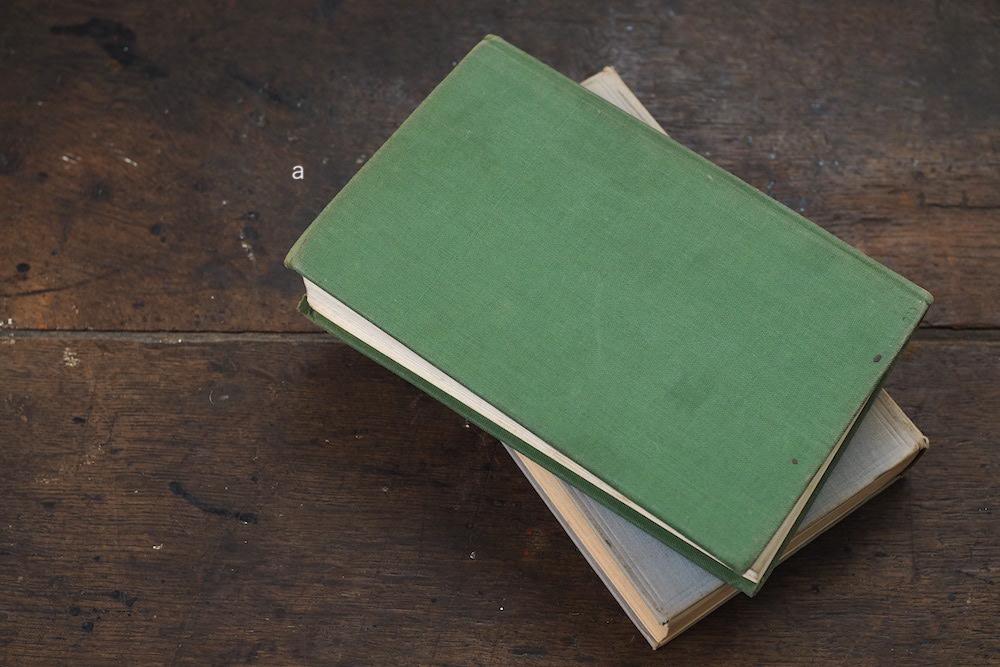 Retro Books C <p>古本洋書 C</p>