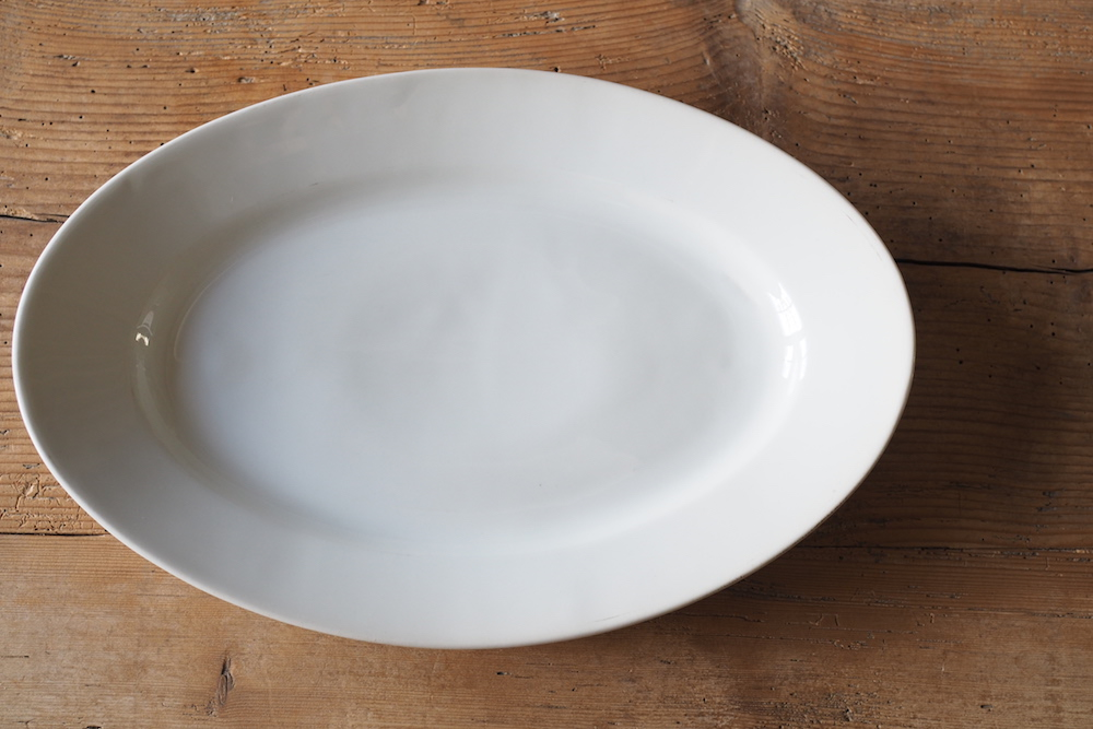 White oval plate D<p>白いオーバルプレート D</p>