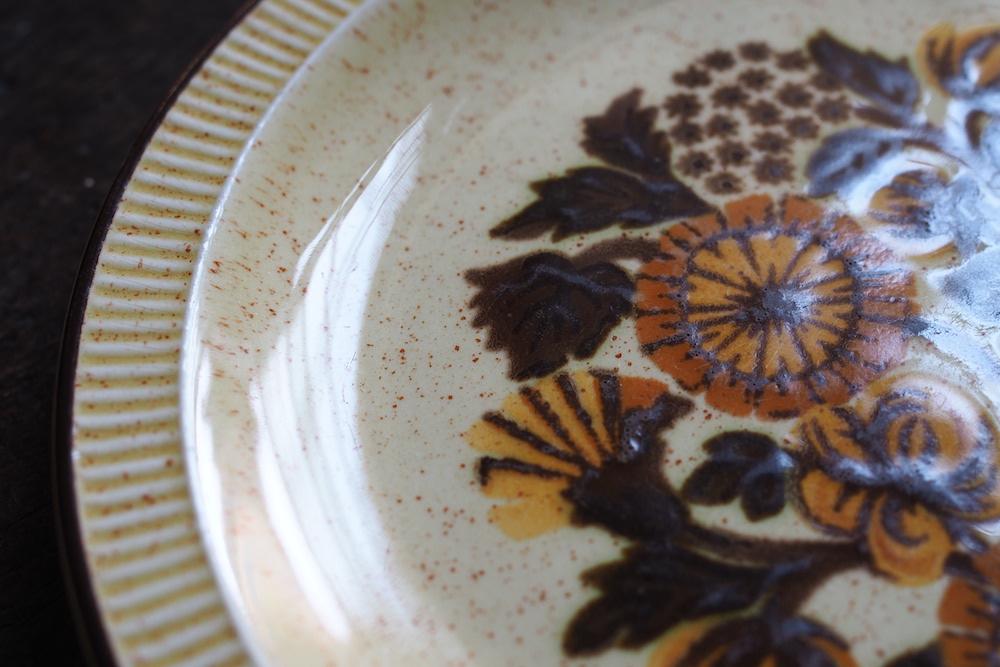 Poole Pottery plate (Thistlewood)<p>プール・ポタリー プレート (シスルウッド)</p>