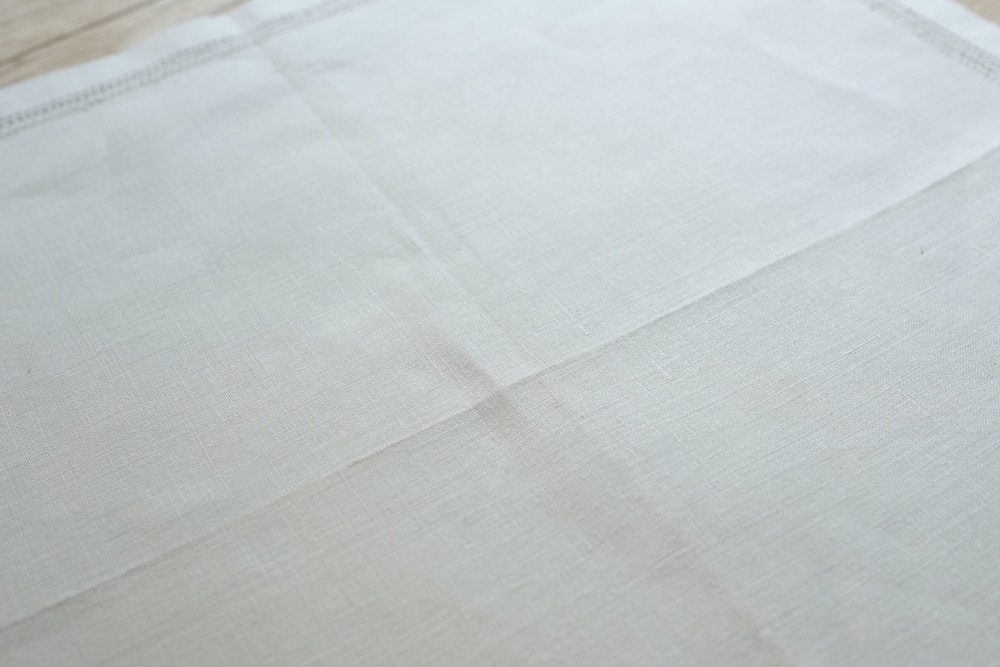 Vintage Handkerchief G<p>ヴィンテージ ハンカチーフ G</p>