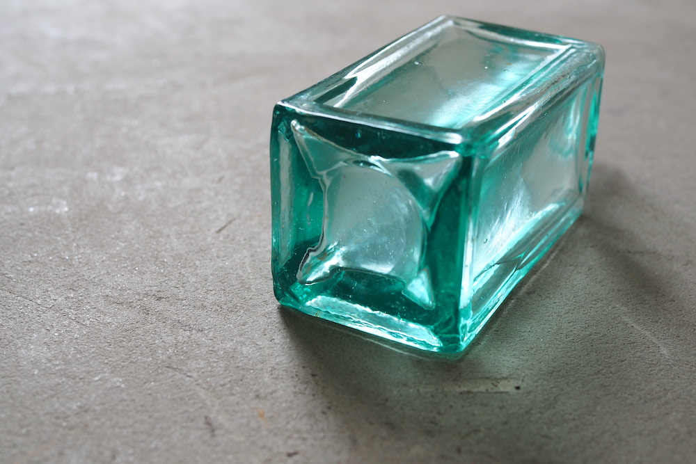 Glass bottle<p>ガラス瓶</p>