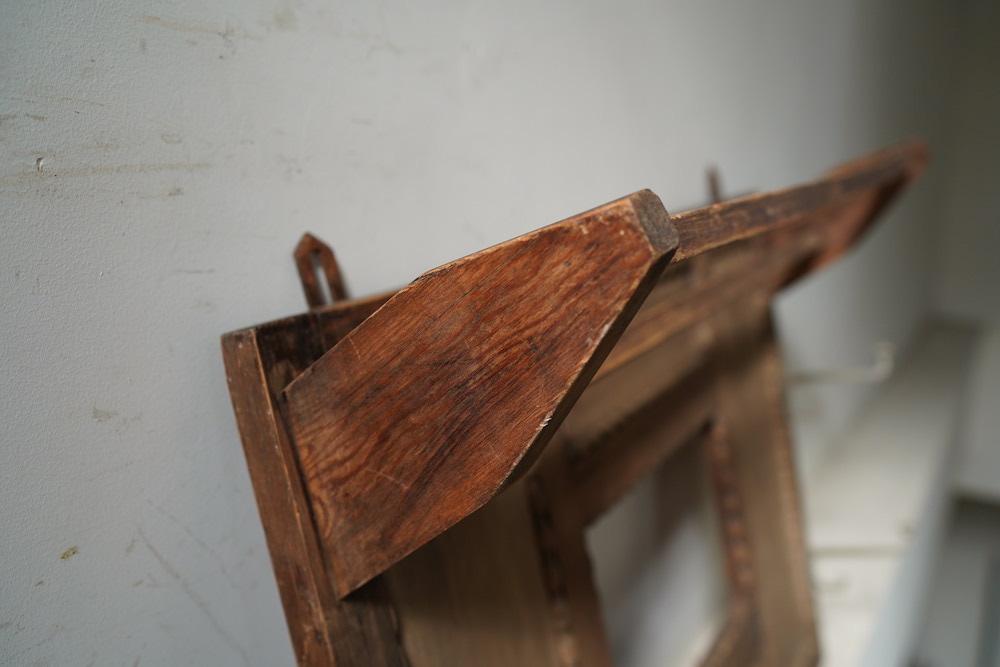 Wall hook shelf<p>フック付き 壁付けシェルフ</p>
