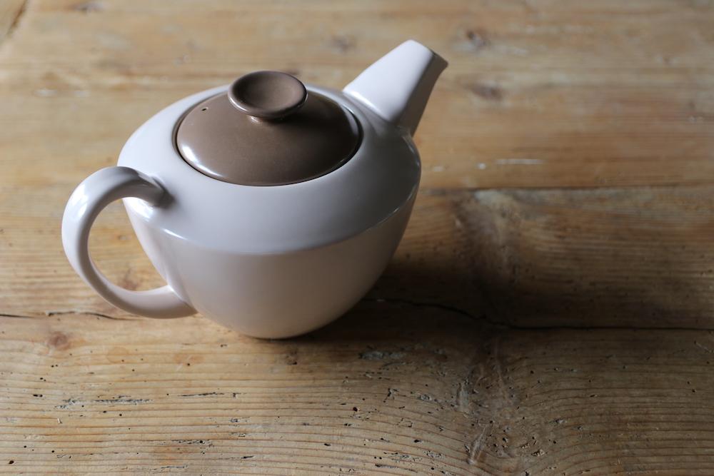 Poole Pottery  Teapot <p>プール・ポタリー ティーポット </p>