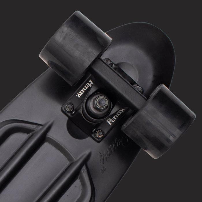 ★即納!ペニー★Penny ペニースケートボード STAPLES ステープル 0pcl6 新色 22インチ BLACKOUT 特殊プラスティック ウィール59mm  Abec7 STEEL 正規品